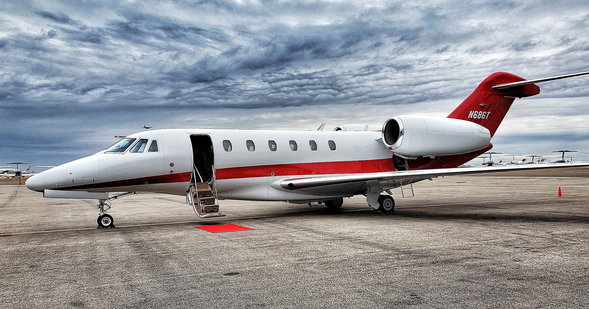 Private jet charter, UK